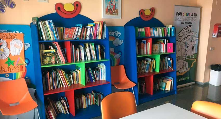 Biblioteca de la planta de Pediatría del Hospital Universitario Ntra. Sra. de Candelaria de Tenerife