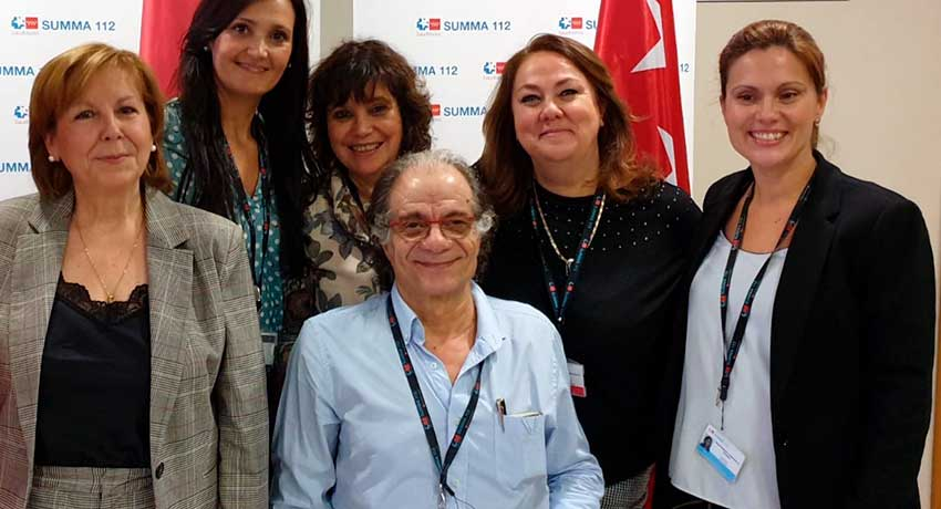 Cristina Díaz, enfermera jefe del Servicio de Atención al Usuario, junto a su equipo