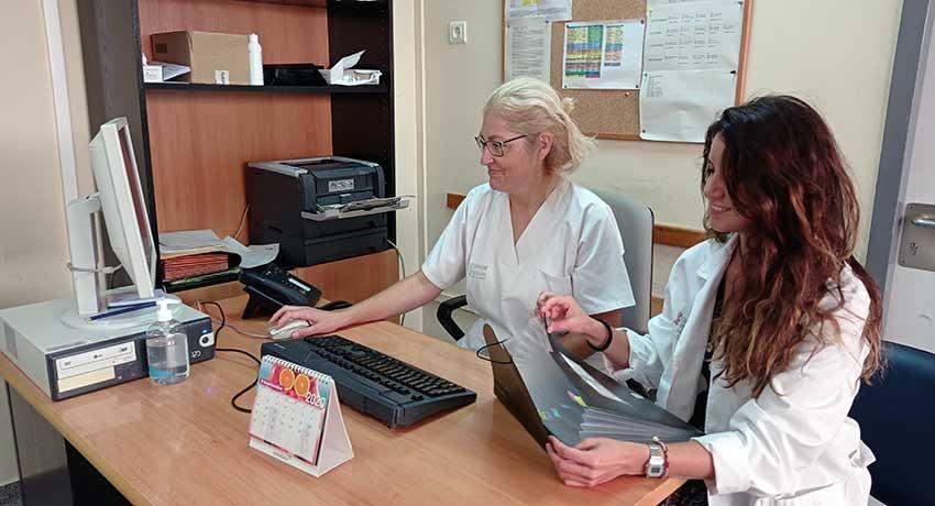 Las enfermeras Elena López y Laura González
