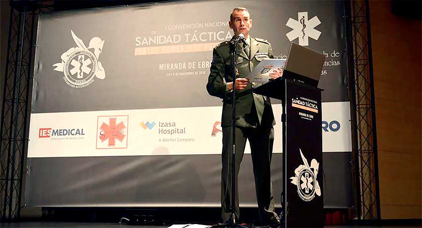 Carlos Adarve, enfermero militar