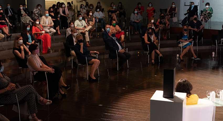 El acto de entrega del Sello de Reconocimiento a los Equipos Excelentes se celebró en el auditorio Gabriela Mistral del Palacio de Linares, sede de la Casa de América