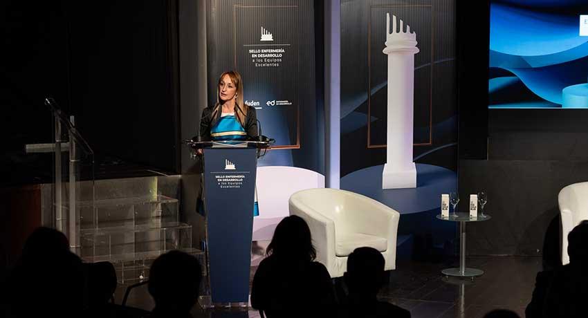 Sara León, miembro del Patronato de Fuden, durante su intervención inaugural
